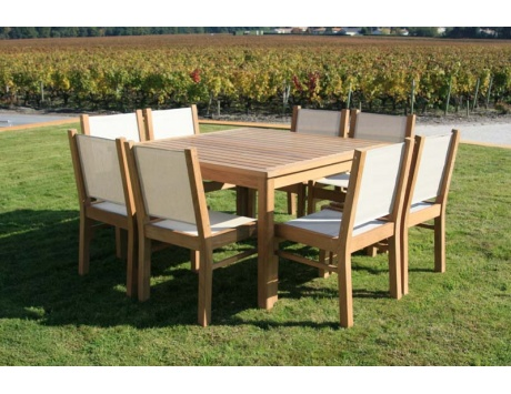 Table carr e riviera la hutte mobilier for Table 8 personnes carree